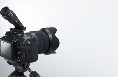 Keskikoon peilitön kamera Fujifilmiltä