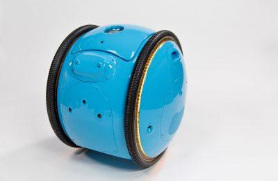 Futuristinen robottikuljetin Vespan tekijöiltä