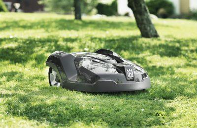 Husqvarna lanseeraa robottiruohonleikkurin järeille nurmikentille